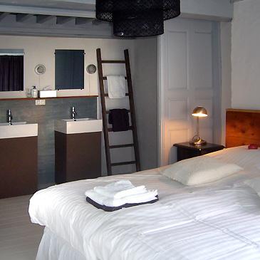 gasten-kamer-vierkante-wastafels